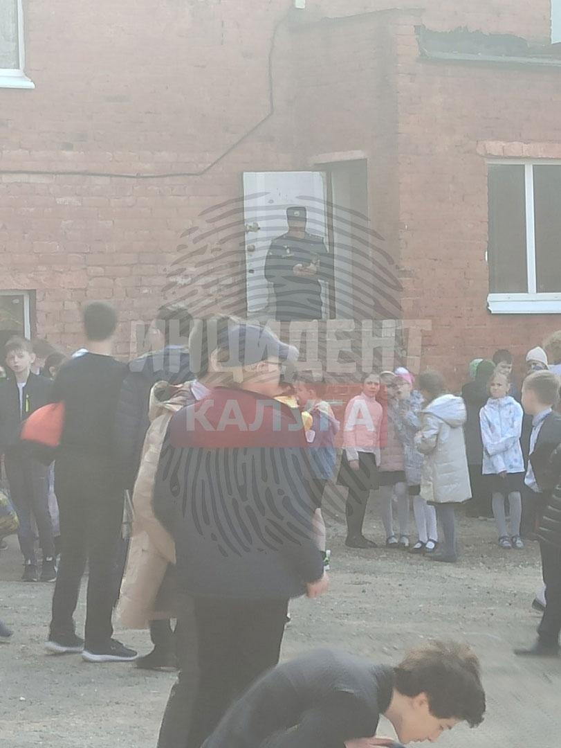 В Калуге массово эвакуируют школы и больницы из-за сообщений о бомбе
