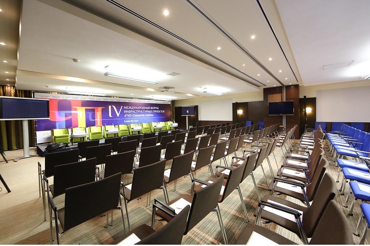 """8 конференц-залов + блокнот и ручка = Отель """"Амбассадор Калуга"""""""