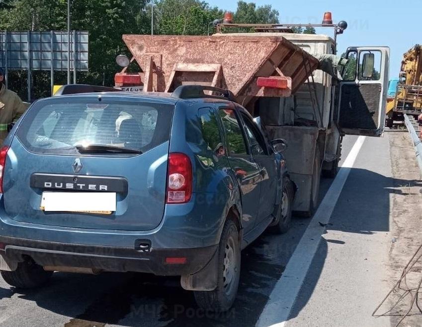 86-летний калужанин влетел в припаркованный грузовик